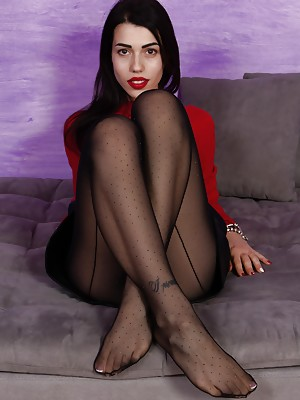 Petra shows her feet in sexy nylons