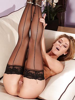 Sheena Shaws Stocking Tease